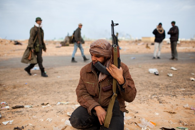 A Libyan rebel fighter in Las Ranuf last March, in the early stages of the revolution. (Photo: Sebastian Meyer)