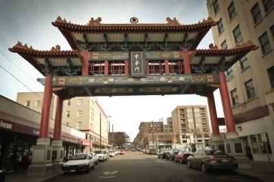 Chinatown-Gate-by-Prayitno-400x266