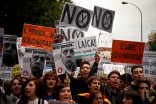 Spanish students demonstrating in central Madrid against cuts in education due to government austerity measures. (Photo from REUTERS/Sergio Perez)