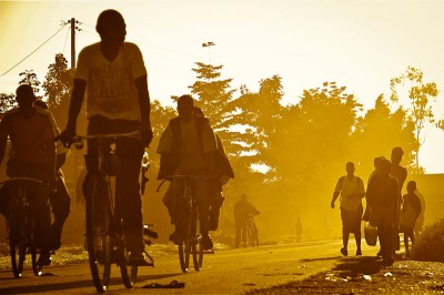 Bicycle traffic in a Manyatta evening. (Photo by Simon Okelo)