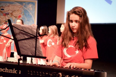 Lara Yildiz, a Turkish-American ten year old, and one of the festival hosts and performers. (Photo by Valeria Koulikova)