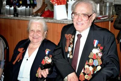 "Nadezhda Savitsina and Boris Grinshtat both veterans of the ""Great Patriotic War"" who moved to Seattle in 1997. (Photo by Valeria Koulikova)"