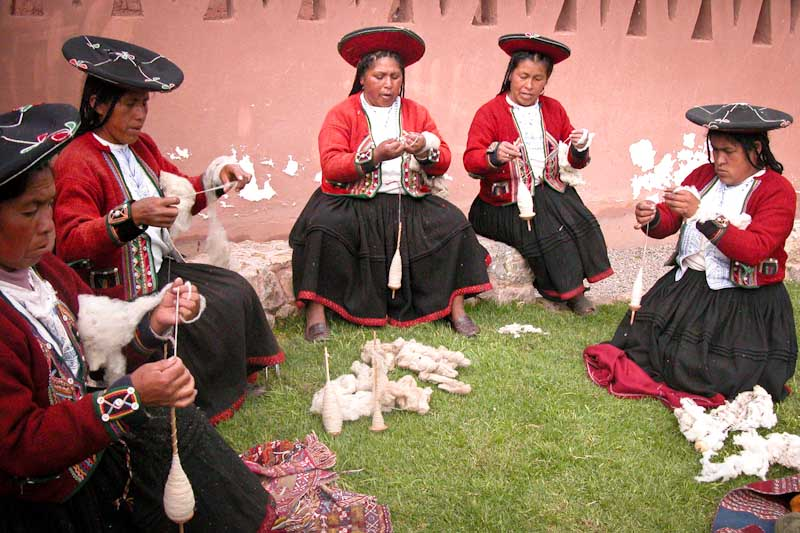 Members of Centro de Textiles Tradicionales del Cusco in Peru. (Photo courtesy International Folk Art Market)