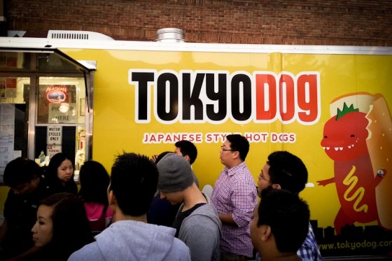 Crowds gather around the Tokyo Dog food truck. (Photo by Sam Kenyon)