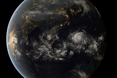 A satellite photo shows Typhoon Haiyan approaching the Philippines on November 7th. (Photo via Japan Meteorological Agency)