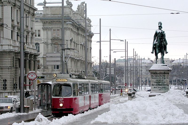 weather tip pic (The streets of Vienna covered in snow) photo courtesy Martin Ortner