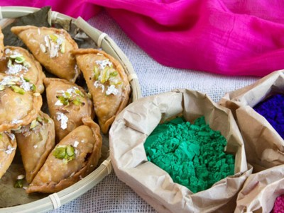Gujiya is traditionally prepared on Holi. (Photo from mellownspicy.com)