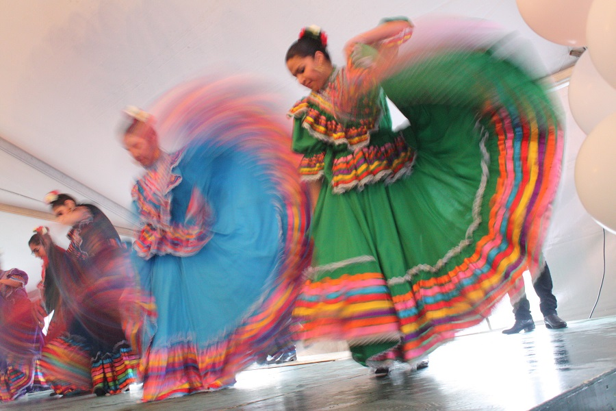 Members of  Folklore Mexicano Tonantzin perform traditional dances at El Centro de la Raza. (Photo by Izumi Hansen)
