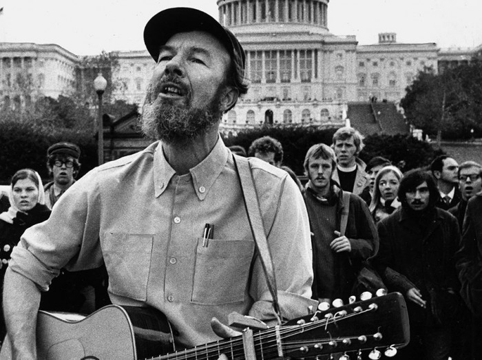 Pete Seeger serenades fellow activists in Washington, D.C., 1969. (Photo by Stephen Northup/The Washington Post/Getty Images)