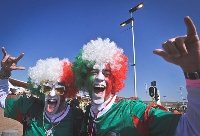 Fans show their love for team Mexico during the 2010 World Cup. (Photo by Marcello Casal Jr / ABr)