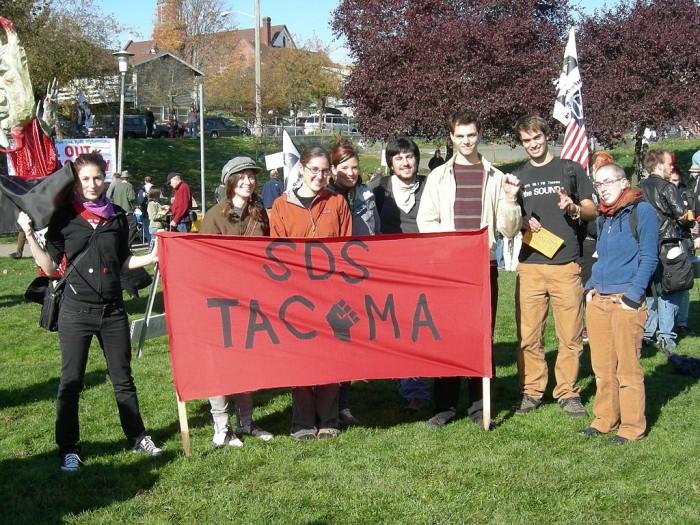 Contingent from Tacoma SDS (Students for a Democratic Society) at anti-war rally, Judkins Park, Seattle, Washington, 27 October 2007. (Photo by Joe Mabel via Wikipedia)