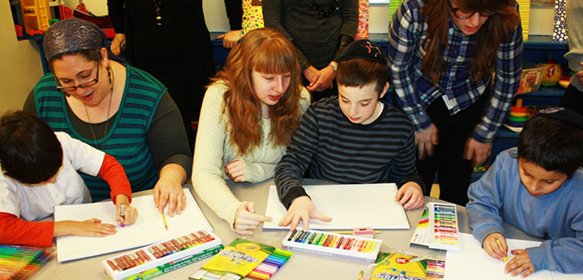 Art therapy for kids with Autism (Photo by Icare4Autism)