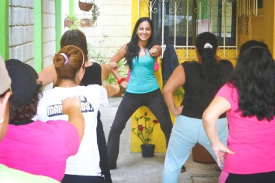 Jocelyn (Joys) Morenno leads a Zumba class in Veracruz, Mexico. (Photo from ZumbaMexico)