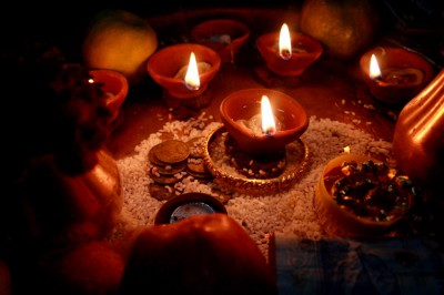 Diwali oil lamps in Darjeeling, India. (Photo from Wikipedia by Benoy)