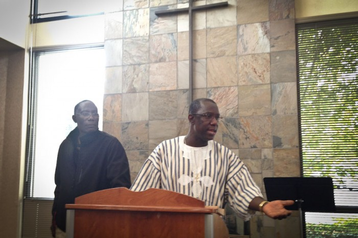 Pastor George Everett (right) speaking to Mercer Island Presbyterian Church about the Ebola outbreak in his home country of Liberia. (Photo by Sarah Stuteville)