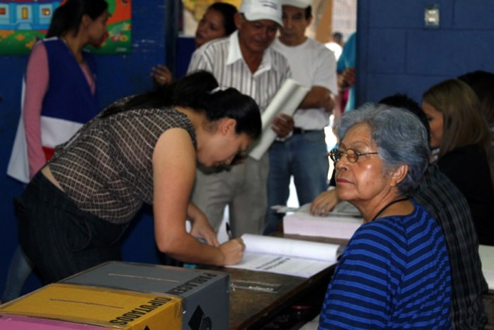 Voting day on March 2 in San Salvador. (Photo courtesy of CISPES Delegation)