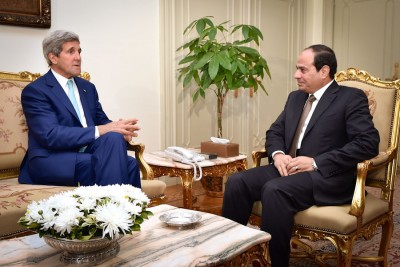 President el-Sisi and Secretary of State John Kerry meeting at the Presidential Palace in Cairo last July. (Photo from Flickr via US Dept of State)