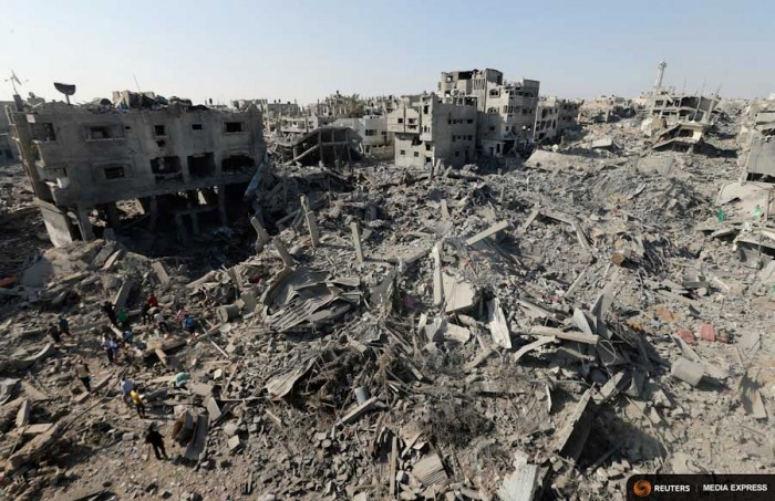 Destruction in Gaza City, after Israeli shelling and air strikes  during the war last summer. (Photo from REUTERS / Mohammed Salem)