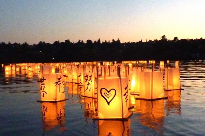 The 2014 From Hiroshima to Hope lantern floating ceremony. (Photo by Cathy Tuttle)