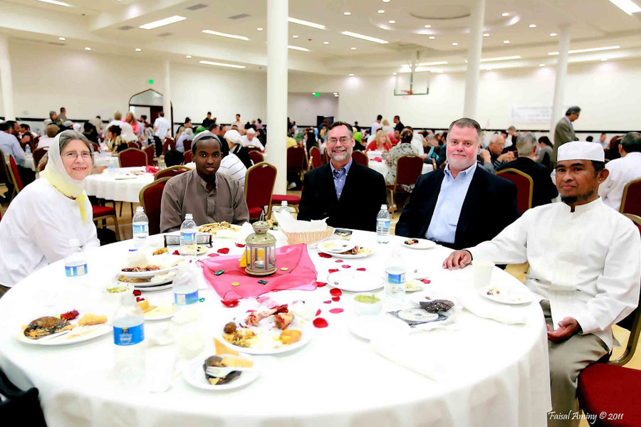 Ramadan fasts and feasts unite Seattle Muslims