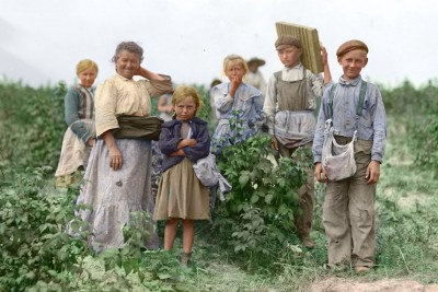 "Polish immigrants arriving in the U.S. around the turn of the century we're stereotyped as ""farm people"" and usually went straight to work as agricultural laborers or farmers. (Photo via Wikipedia)"