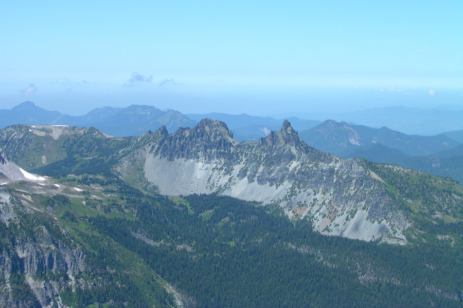 Sluiskin Mountain, with its two summits, Chief and Squaw. Photo by brewbooks via Flickr.