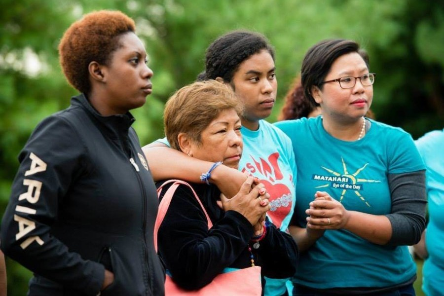 Amy Kele, second from right, joined other women in a 100-mile pilgrimage calling for a humane response to families split by immigration laws. The pilgrimage culminated with greeting Pope Francis in D.C. Photo via Marissa Vichayapai.