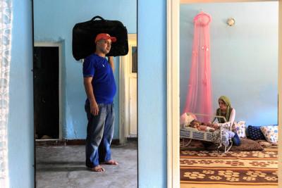 A refugee family in Batman, in far eastern Turkey. (Photo by Levent Kulu)