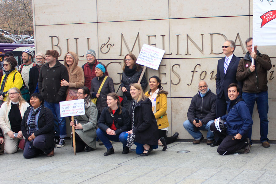 Civic leaders and activists continue to urge the Bill & Melinda Gates Foundation to divest from fossil fuel investments. (Photo by Goorish Wibneh.)