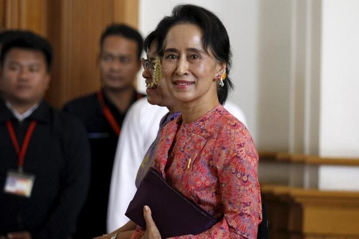 Myanmar's National League for Democracy leader Aung San Suu Kyi arrives to the opening of the new parliament in Naypyitaw February 1, 2016. (Photo by Soe Zeya Tun for Reuters.)