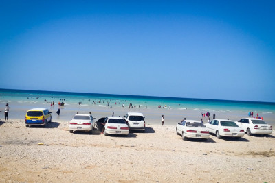 No shortage of parking at the beach. (Photo by Said Maxad)