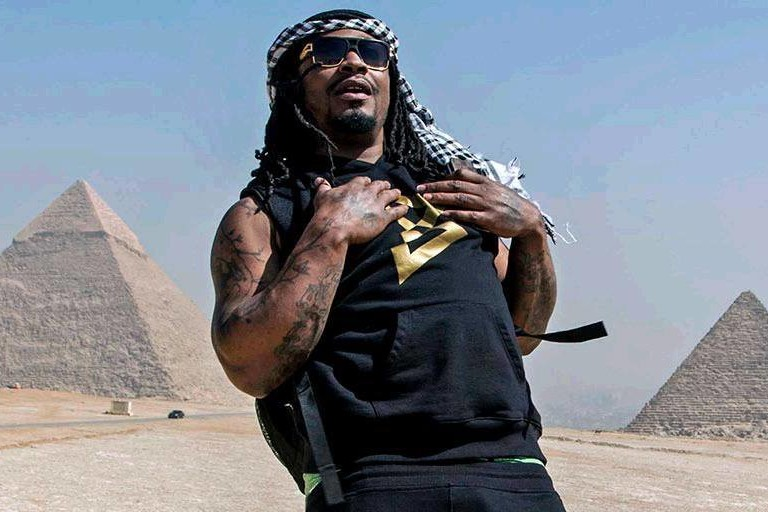 Marshawn Lynch in Egypt. (Photo by American Football Without Barriers via Facebook.)