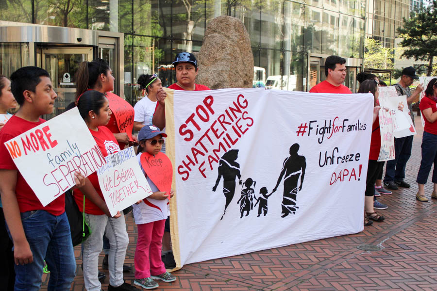 Families organized by Casa Latina rallied in front of the federal building in Seattle on Monday. (Photo by Venice Buhain.)