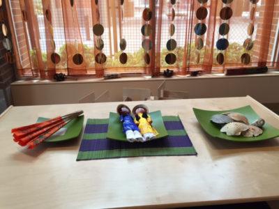 Hoa Mai preschool uses Vietnamese arrangements during meals.