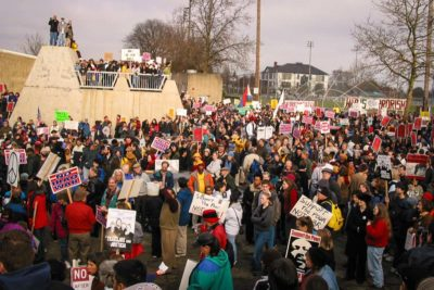 Big crowds turned out in opposition to the impending invasion of Iraq. (Photo by Susan Fried)