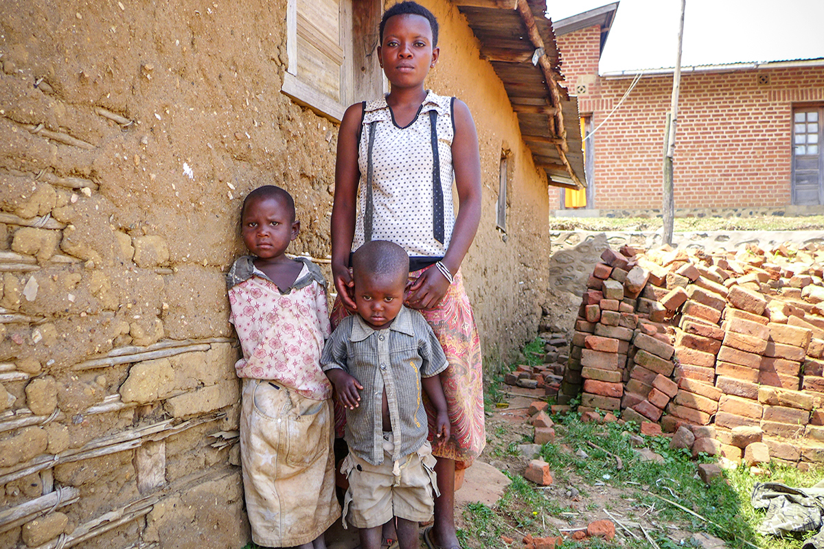 siblings,DRC,home