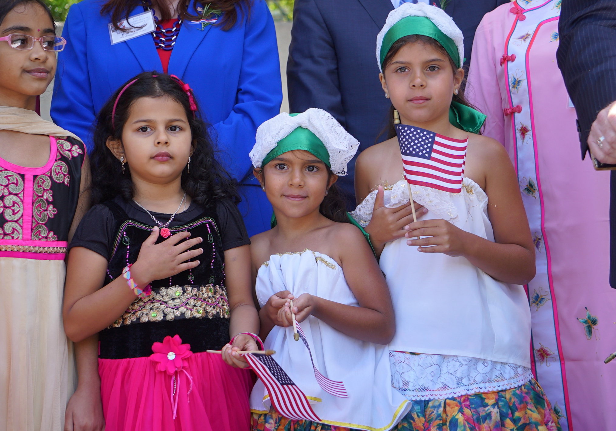 Hundreds become U S  citizens July 4 at Seattle Center - The