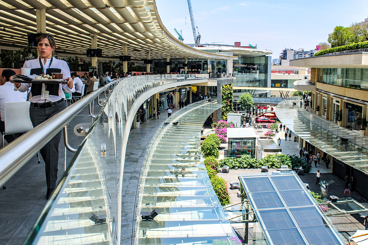 People Dine And Shop In Antara Fashion Hall Mexico City Is Seeing A Boom Shopping Centers Mayela Sanchez GPJ